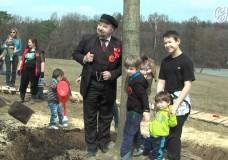 Ленин возглавил субботник в «Суханово Парк»