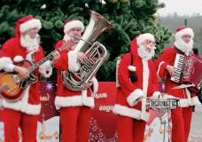 Дедушка Мороз поздравил детей в «Суханово Парк»